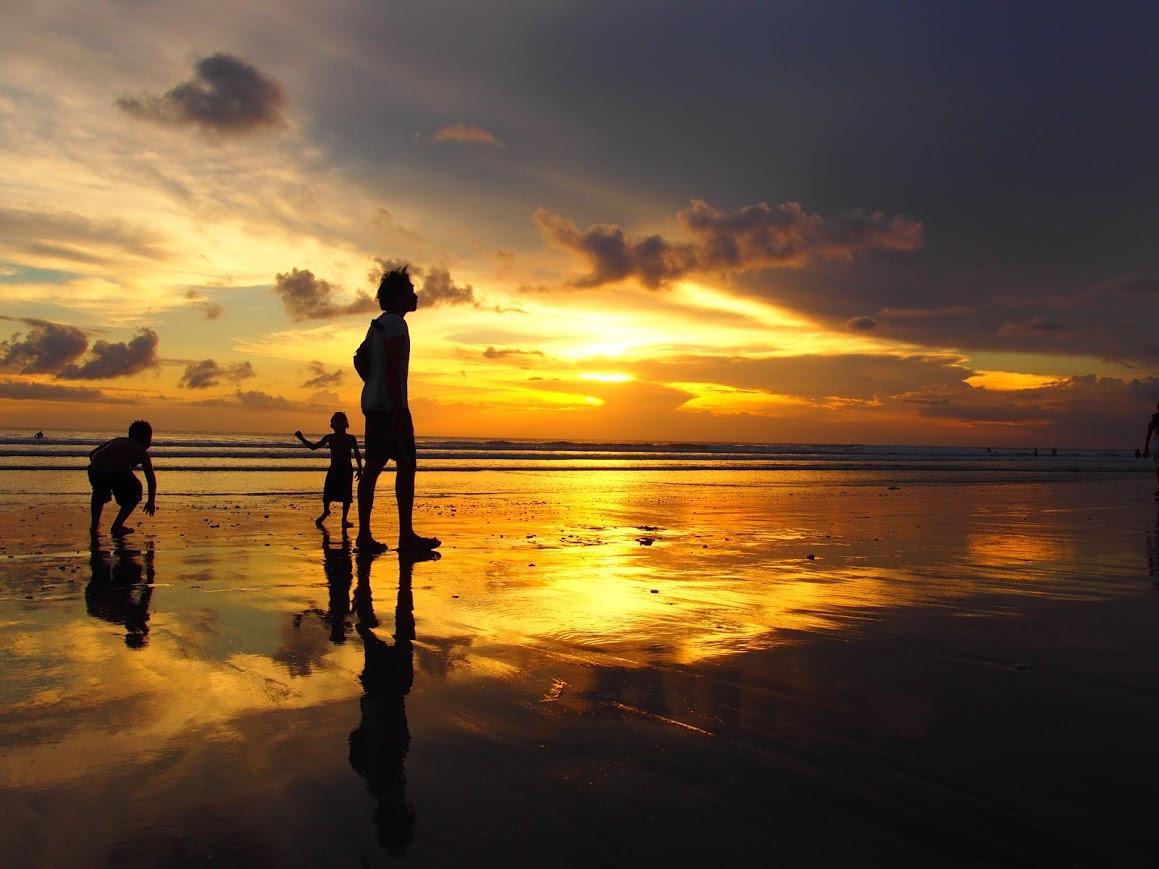 バリ島クタビーチの夕暮れ_201707-10